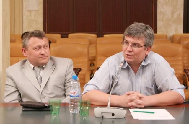 Председатель Общественной палаты г. Ивантеевка МО Андрей САПОЖНИКОВ и издатель Александр ВОРОБЬЕВ